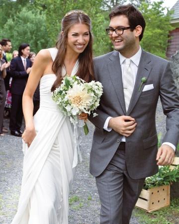 bride-groom-0811mwd106246_vert