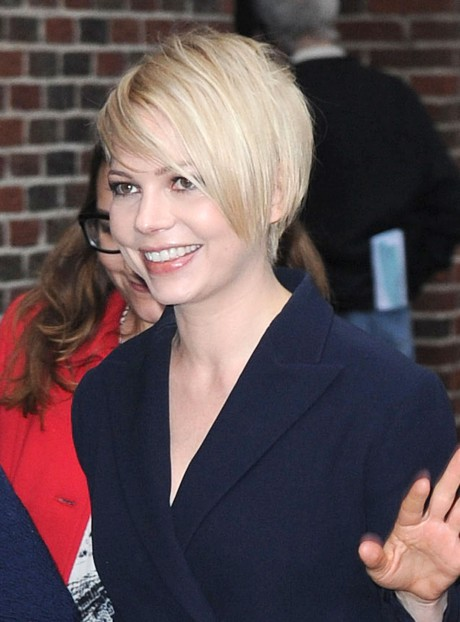 How We Feeling About Michelle Williams' Sleek New 'Do?