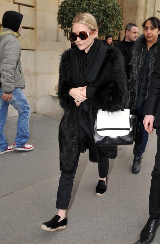 Ashley Olsen leaves her hotel