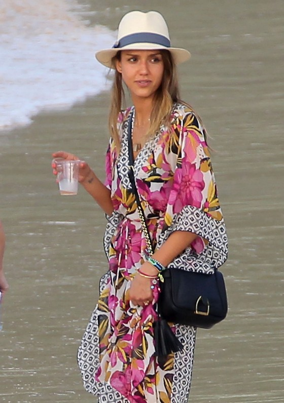Jessica Alba Hangs With Friends In St. Barts