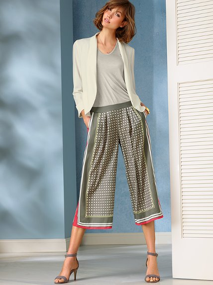 Culottes Outfits Ideas-24 Ideas How to Wear Culottes This Year recommendations
